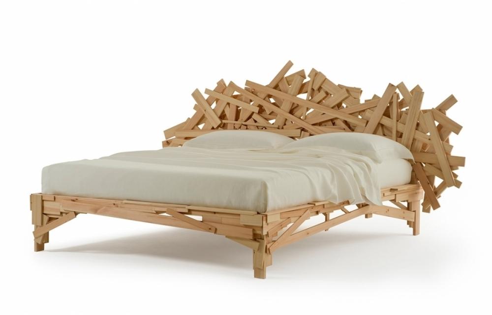 FAVELA BED BY FERNANDO E HUMBERTO CAMPANA